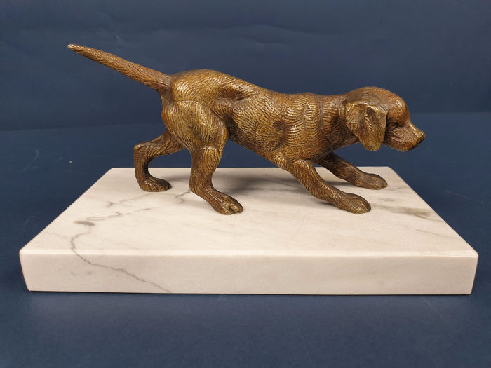 Sculpture, Dog Setter pointing - Bronze, Marble - mid 20th century
