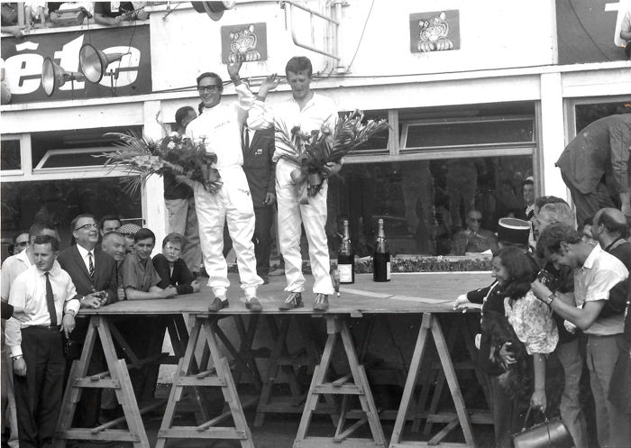 Afbeelding - a very interesting Podium & Wins photo Collection  - Ferrari 1° Le Mans 1965; Brabham Monaco; Surtees/Parkes/Ickx and more  - 1959-1989