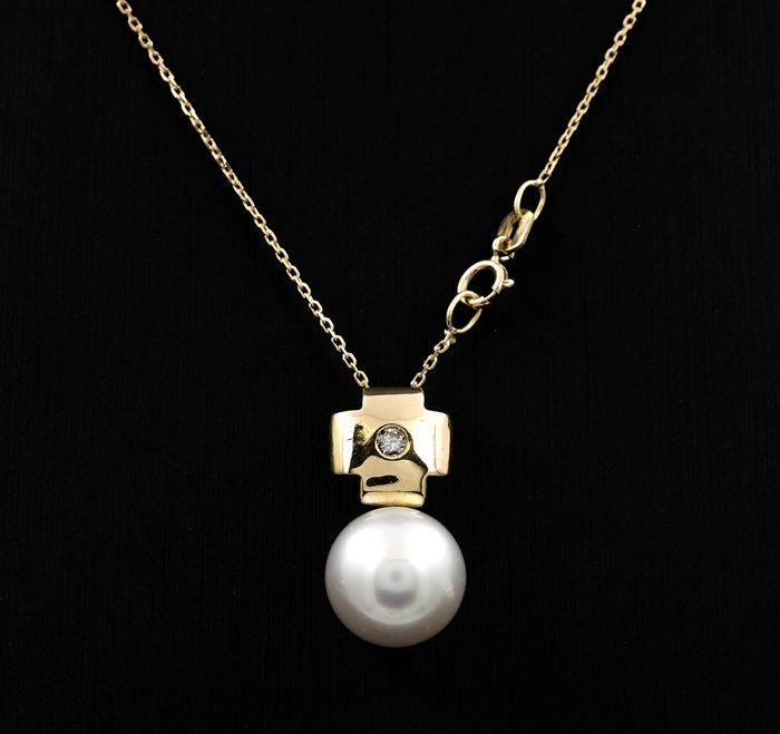 18 kt. Gold, Natural pearl, Saltwater pearls, South sea pearl, South sea pearls, Yellow gold - Necklace with pendant Diamond - Pearl