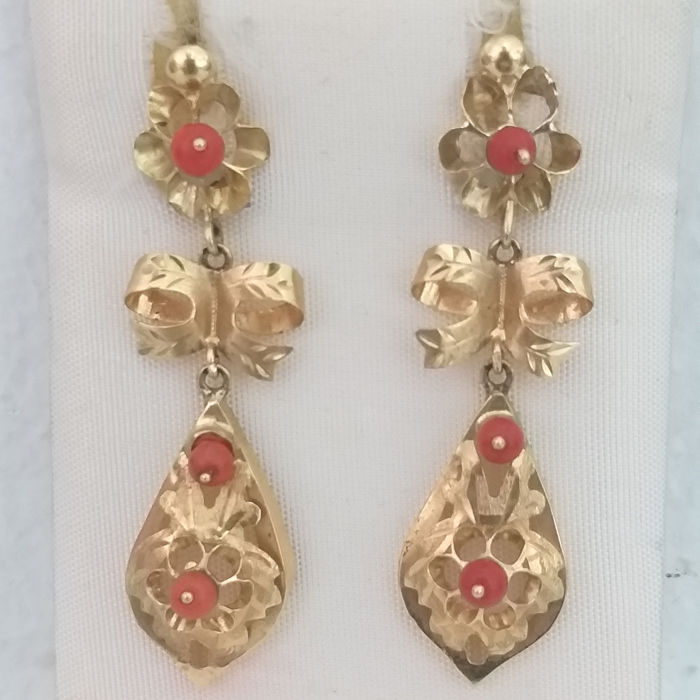 18 kt. Corals, Gold - Earrings