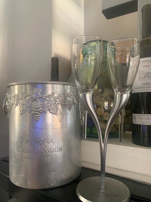 Moët et Chandon Set of 2 crystal glasses on metal base designed by Philippe di Meo & 1 Ice-Bucket - Champagne