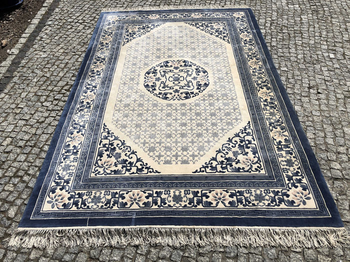 China - Carpet - 300 cm - 185 cm
