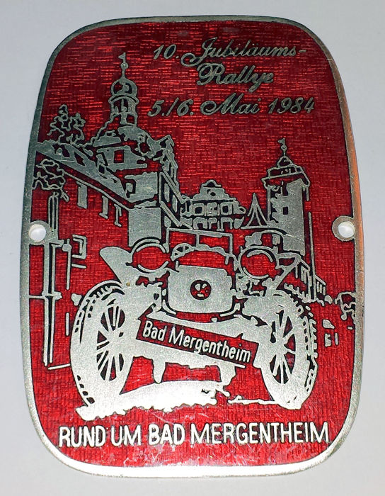 Dekoratives Objekt - Grille Badge geëmailleerd - 10e Jubiläums-Rally Bad Mergentheim - 1984
