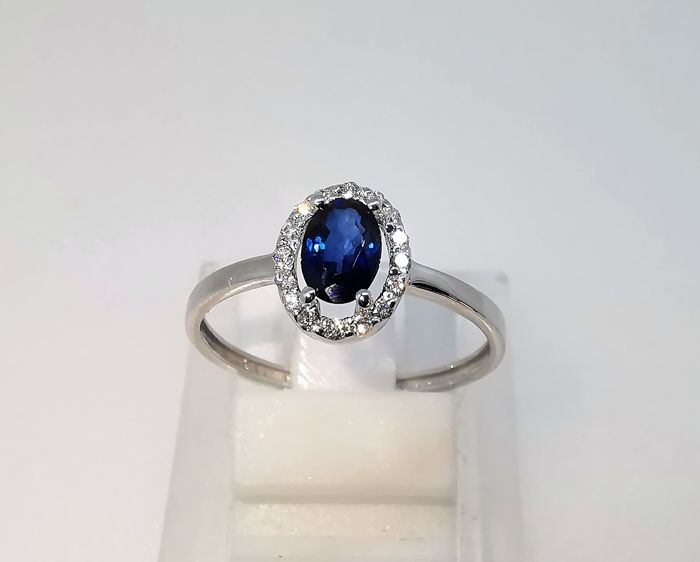 18 kt. White gold - Ring - 0.65 ct Sapphire - Diamonds