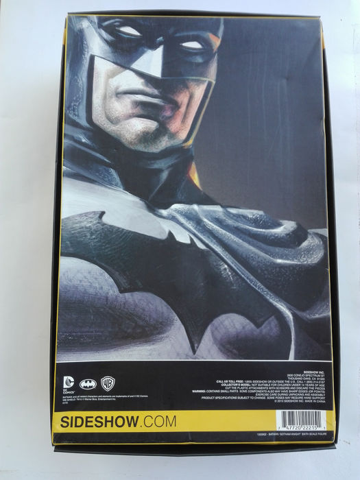 - DC - Sideshow - Batman Sixth Scale Figure - in box