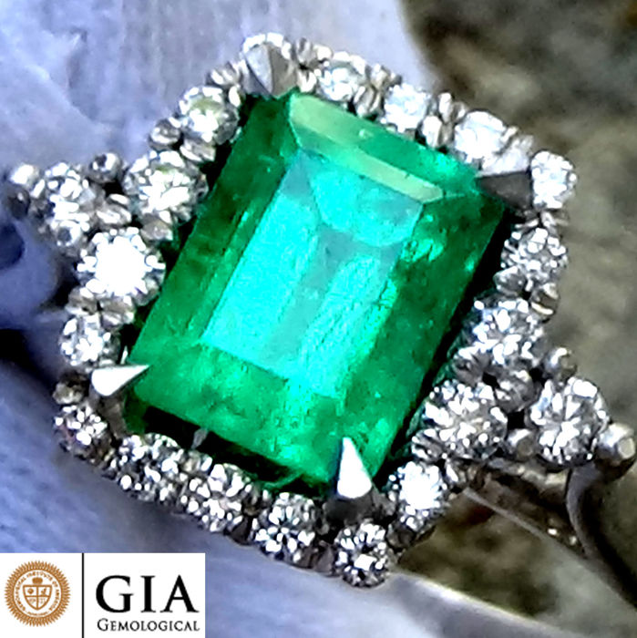 14 kt. White gold - Ring GIA Colombian Emerald  - Diamond