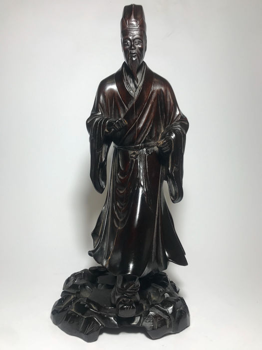 Standing figure (1) - Wood - China - Republic period (1912-1949)