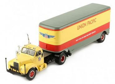 IXO - 1:43 - MACK B 61 (Union Pacific)- 1955 Model Cars Model Cars for sale