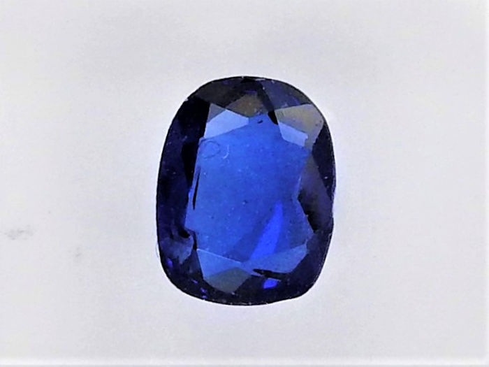 deep blue Saffier - 0.98 ct