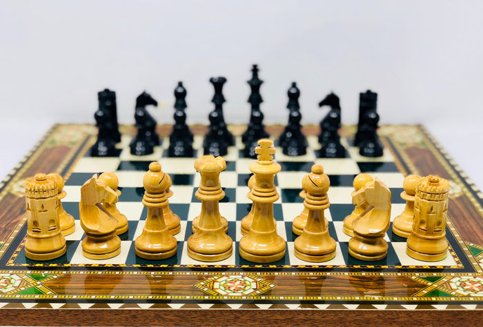 Seville Chess 87 - Lacquered Boxwood