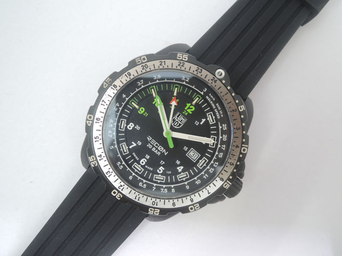"Luminox - Series 8830 Recon NAV SPC 8830 XL.8831.KM Date ""No Reserve Price"" - Heren - 2000-2010"