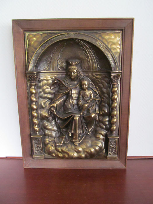 Great buyer religious relief in wooden frame - Copper and wood