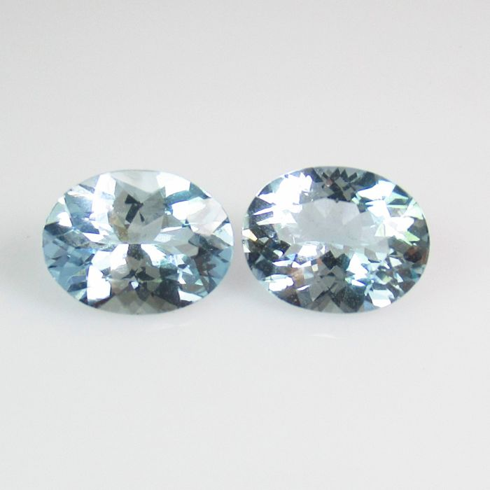 2 pcs Blue Aquamarine - 2.69 ct
