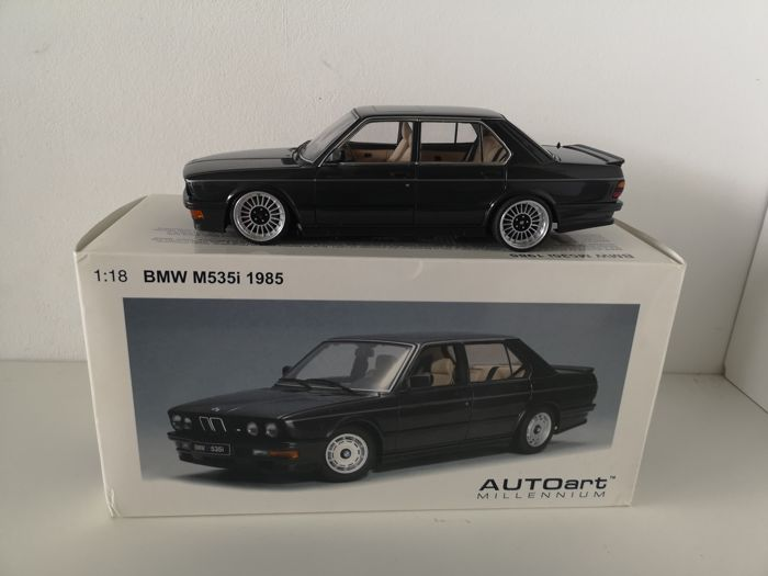 Autoart - 1:18 - BMW M535i Black 1985 Alpina Umbau #75162 Diamant black metallic