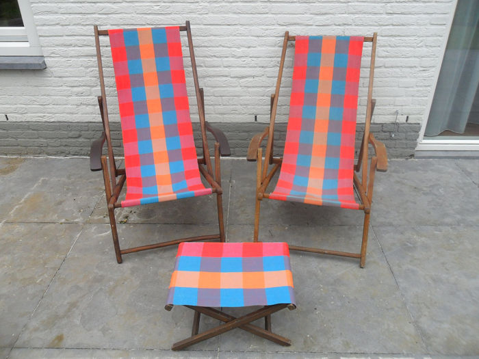 2 authentic beach chairs with accompanying footstool (3) - hardwood, Textiles - Early 20th century