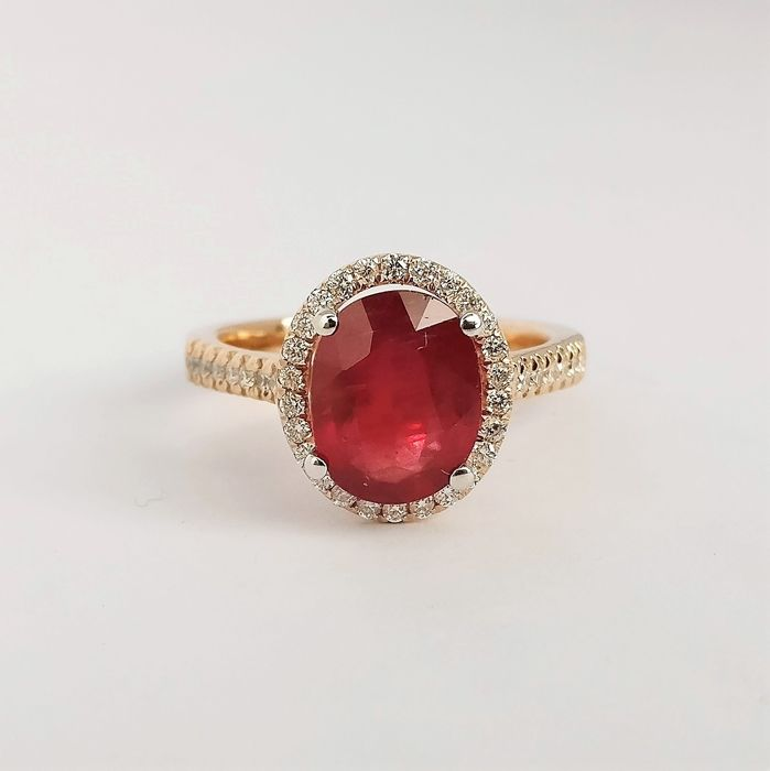 18 karaat Rosé goud - Ring - 3.45 ct Robijn - Diamanten