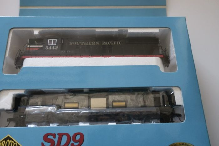 Brawa H0 -  30044 - Diesel locomotive - SD 9 Unit Lok 5442 - Southern Pacific