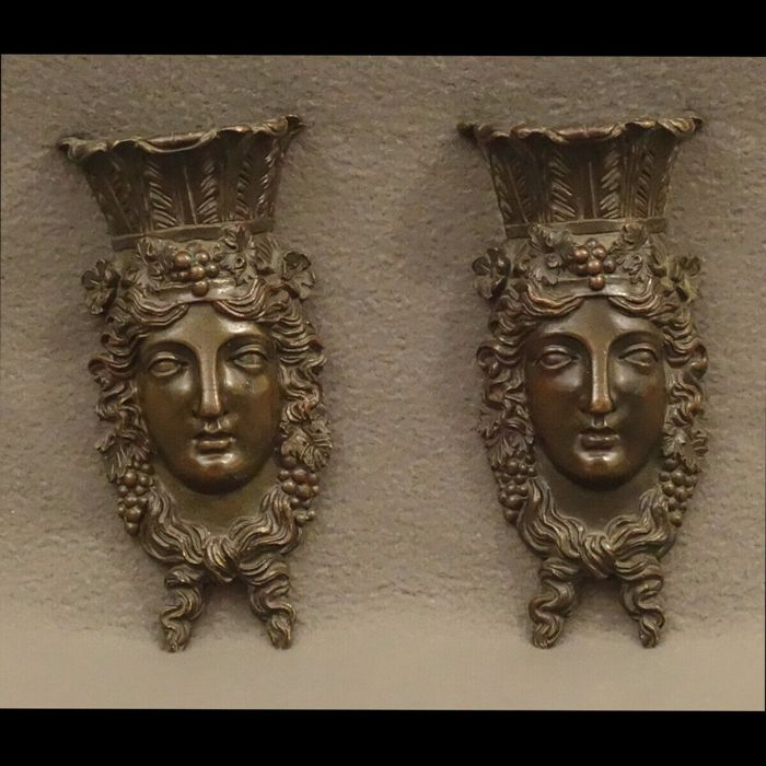 Two bacchus sculptures - ornaments from a piece of furniture (2) - Bronze - Late 19th century