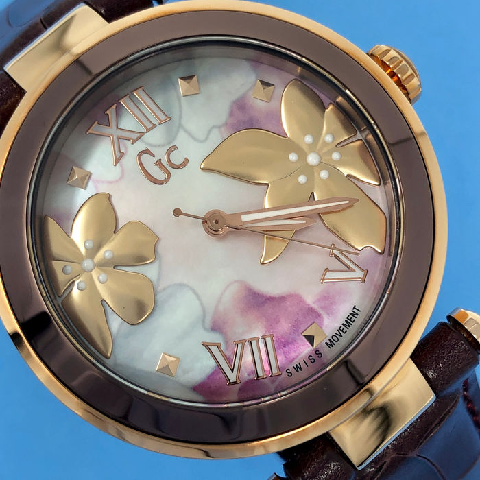 "Guess Collection  - ""NO RESERVE PRICE"" CG LadyChic IP Rose Gold Floral Pattern Swiss Made - Y21001L3  - 女士 - 2011至今"