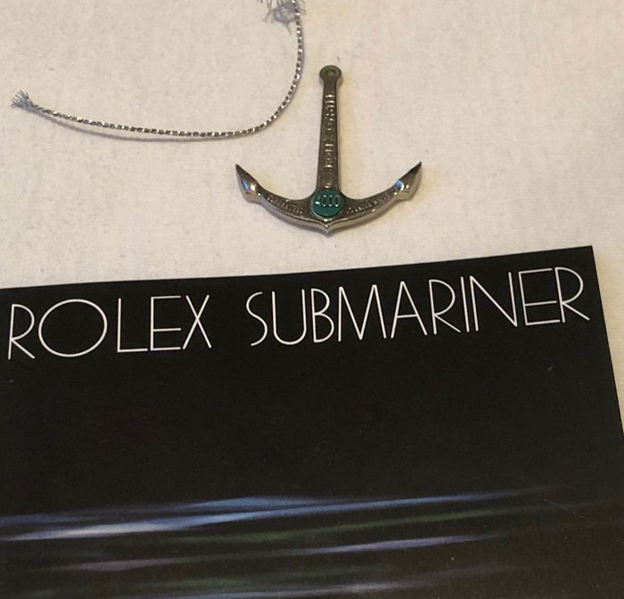 Rolex -  ANCHOR and BOOKLET  - anchor green dot, 1220-4000 - Unisex - early 80's
