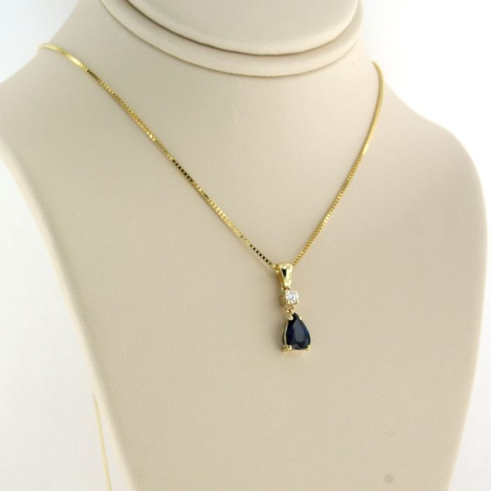 14 kt. Yellow gold - Necklace with pendant - 0.06 ct Diamond - Sapphire