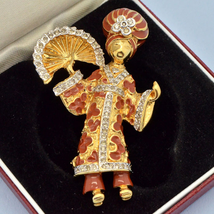 Vogue Bijoux Rare 1960s Geisha Girl Enamel Gold Plated - Brooch Crystal