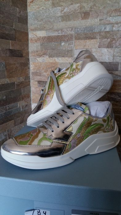 Prada Sneakers - Size: IT 39