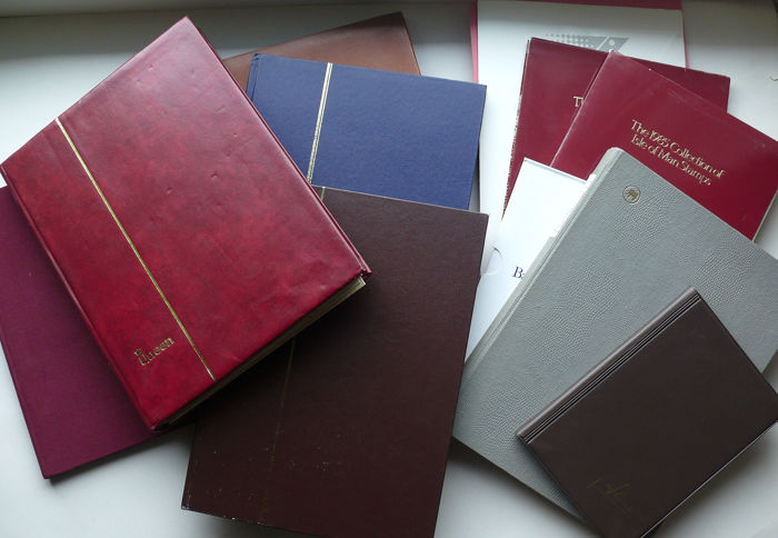 Wereld - Collection in 7 folders + yearbooks and small sheets