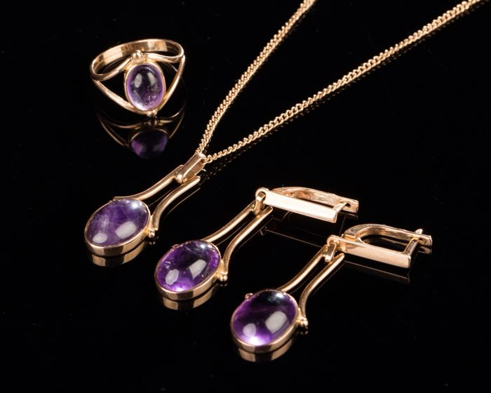 15 kt. Pink gold - Earrings, Necklace with pendant, Ring, Set, art deco - 27.00 ct Amethyst