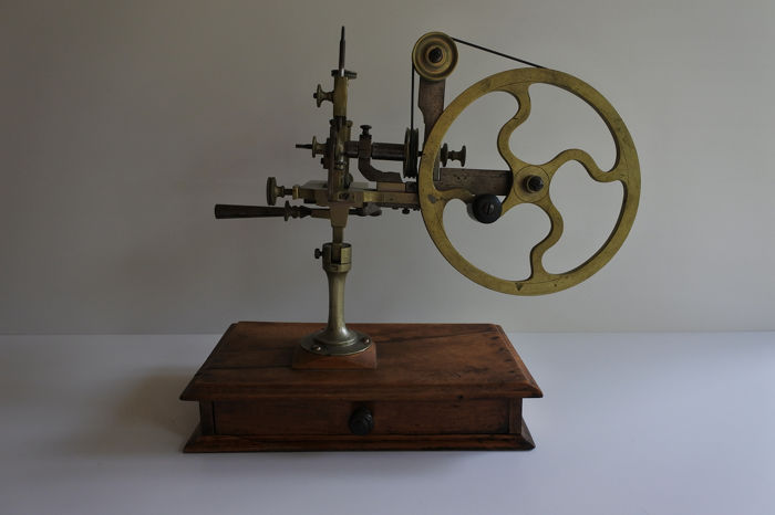 Magnificent! - Antiques - Gear - Milling bench for the clock industry - Brass, Steel, for sale