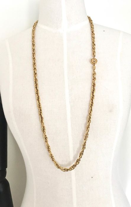 Chanel - vintage Gold Chanel long Necklaces Collar