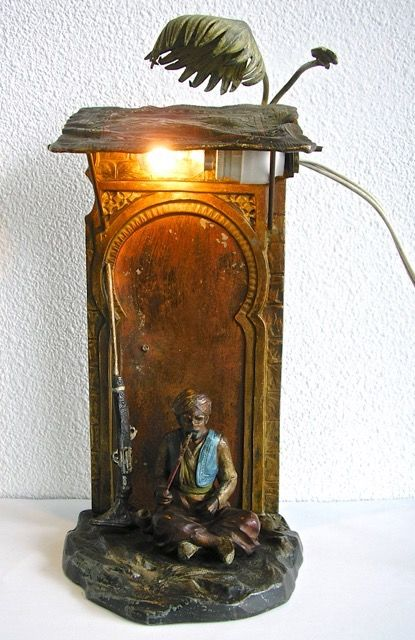 Smoking Arab - table lamp - Orientalism - Pewter/Tin - Approx. 1900