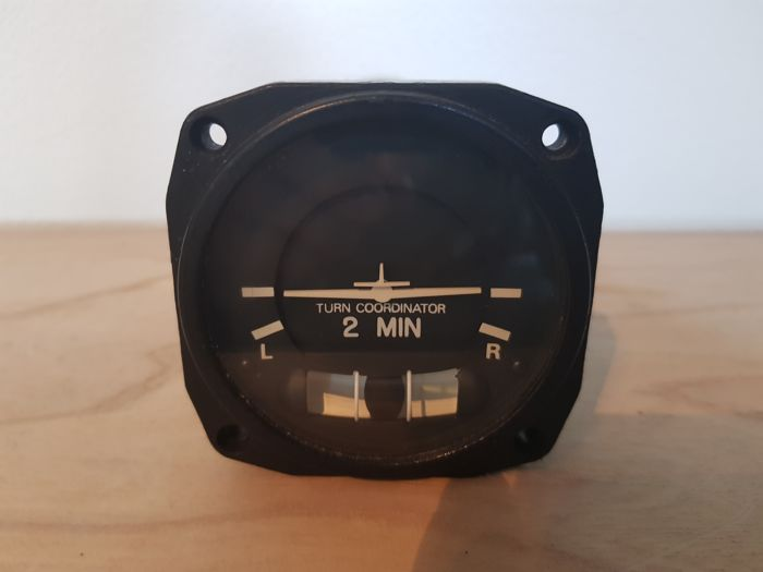 Cessna airplane turn and bank gauge. - IJzer (gegoten/gesmeed)