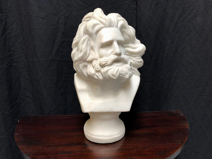 Bust of a bearded man - Alabaster - First half 20th century
