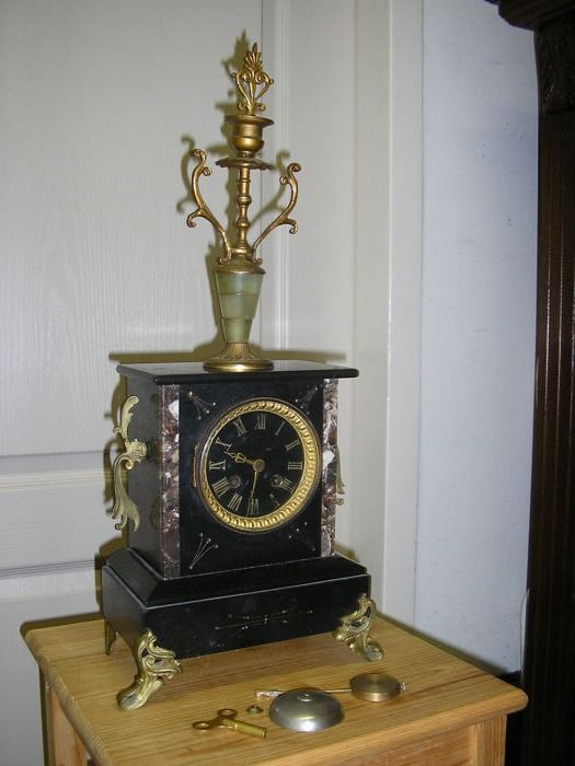 French Marble Clock ca 1890 - Horlogerie A&B  De Paris - Marble - Late 19th century