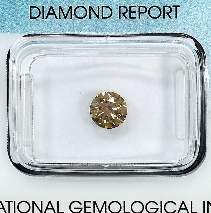 Diamante - 0.70 ct - Brillante - Natural Fancy Light Yellowish Brown - VS2