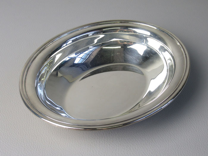 Oval pocket empty bowl with box - .800 silver - Italy - Second half 20th century