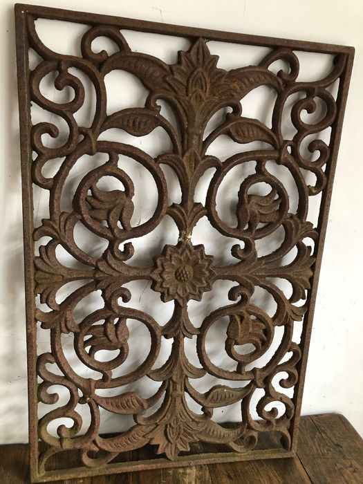 onbekend - onbekend - Cast Iron Door Grate (1) - Art Deco - Iron (cast/wrought)