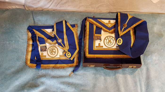 Masonic Two Masonic Apron, Two Masonic Collar & Case (5) - Brass, Leather, Textiles
