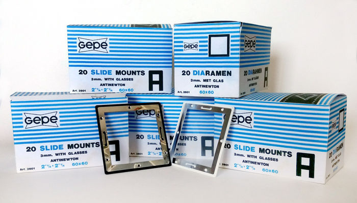 GEPE 5 Boxes of GEPE slide frames with Anti Newton glass for 60 x 60