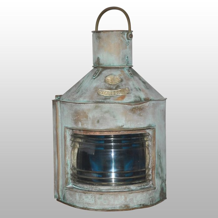 Starboard lamp, Very heavy ship lamp 112.5 ° - Brass, Copper, Glass - First half 20th century