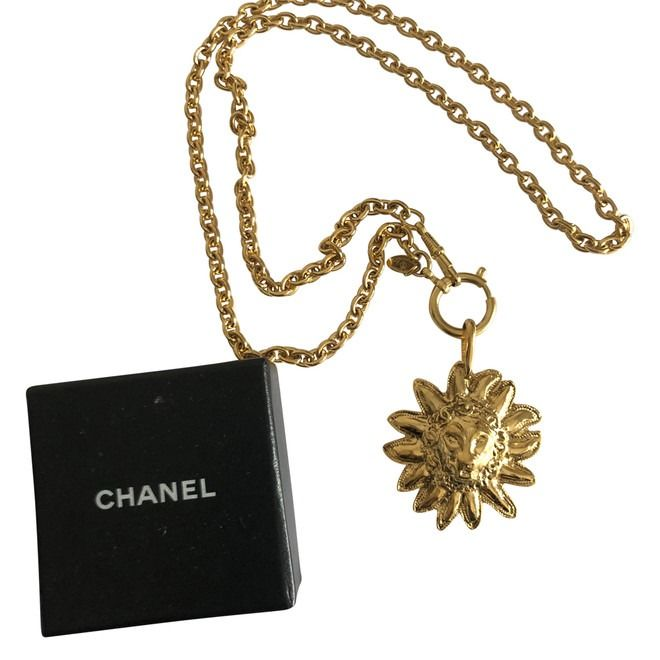 Chanel - Leeuw CC - Long necklace with large medallion