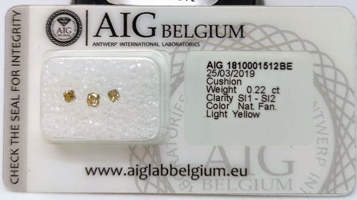 3 pcs Diamanten - 0.22 ct - Cushion - fancy light yellow - SI1, SI2