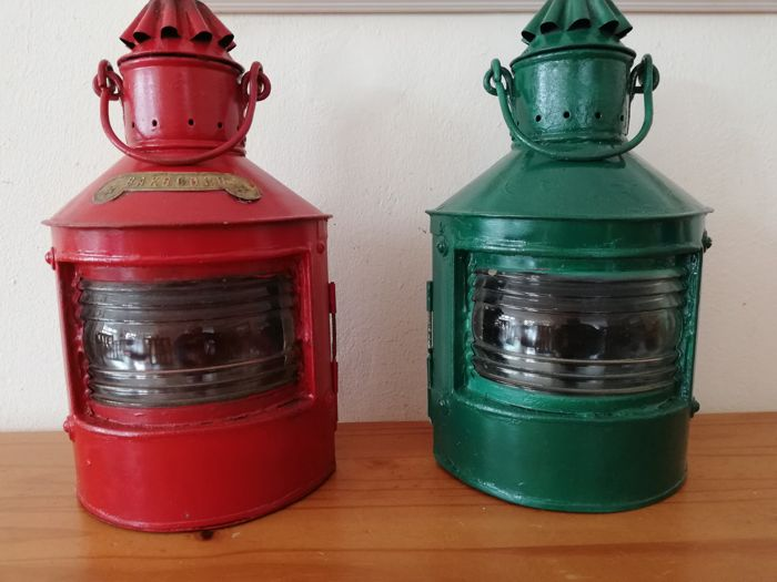 Navigation lamps, Port and Starboard (2) - Gegalvaniseerd steel Brass Glass  - Early 20th century