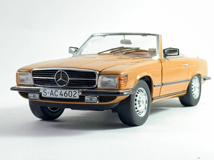 Sunstar - 1:18 - Mercedes Benz 350SL from 1977 - Very nice modell