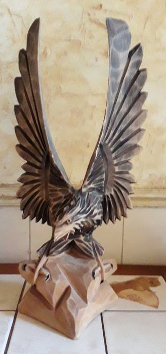 beautiful wooden russian eagle (1) - natural wood