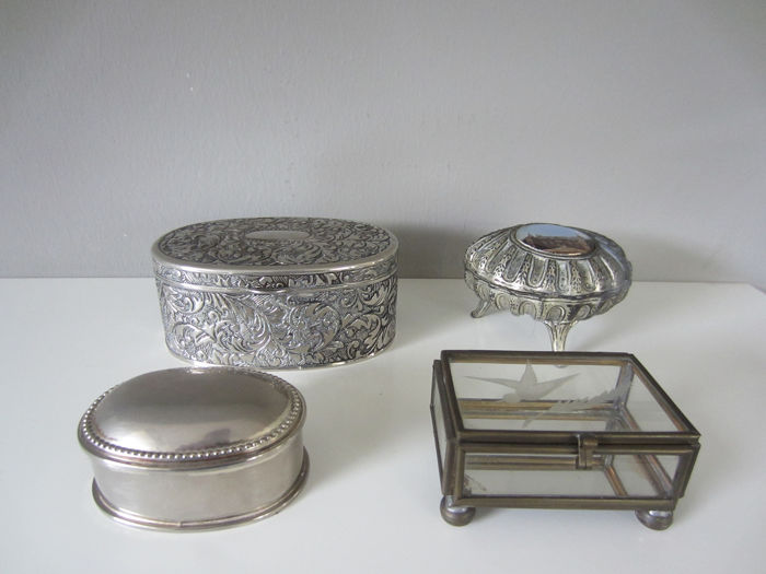 Jewelery box (4) - Silver plated and brass