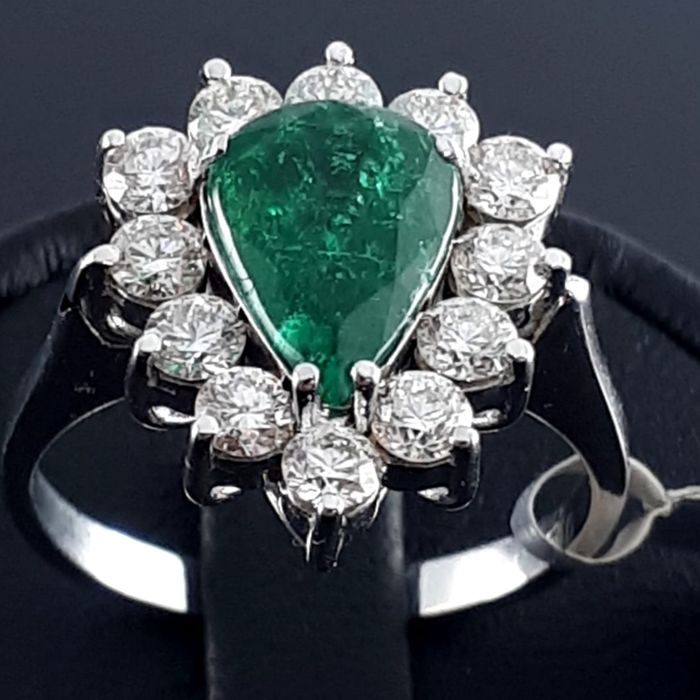 18 karaat Witgoud - Ladie's Emerald & Diamond Ring - 1.66 ct Smaragd - Diamant