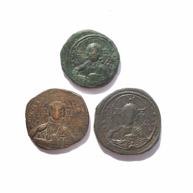 Byzantine Empire - Lot comprising 3 Anonymous AE Folles: time of Romanus III (1028-1034) / time of Basil II & Constantine VIII (ca 976-1025)
