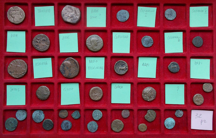 Oudheid - Lot comprising 32 coins. Various periods and denominations included - AE ( 31 x) / AR ( 1 x)